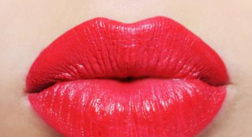Tips For Choosing The Perfect Gloss For Your Lips